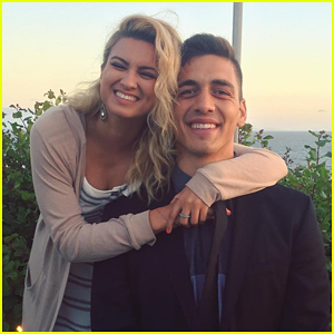 Tori Kelly Engaged To Basketball Player Andre Murillo!