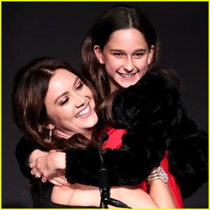Billie Lourd & Her Little Sister Present Together at GLSEN Awards!