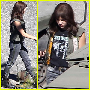 Hailee Steinfeld Dons Combat Boots & Takes the Wheel on 'Bumblebee' Set