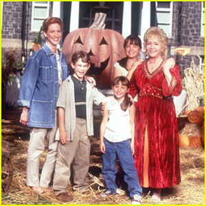 The Cromwell Kids From 'Halloweentown' Reunited In The Same Place Where They Filmed!