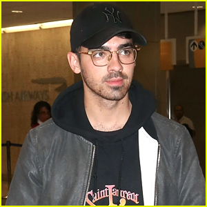 Joe Jonas Arrives in NYC in Style