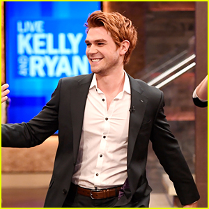 KJ Apa Talks Varchie Ahead of 'Riverdale' Premiere Tonight