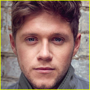 Niall Horan Debuts New Song 'Mirrors' in Documentary Clip (Video)