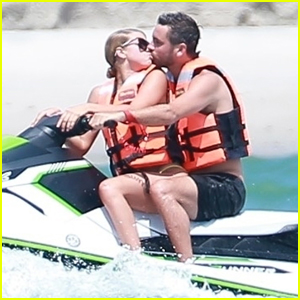Sofia Richie & Scott Disick Show Some PDA During Mexican Vacation