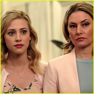 'Riverdale's New Black Hood Theory Suggests That Alice Cooper Isn't Betty's Biological Mom