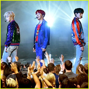 BTS Perform 'DNA' at American Music Awards 2017 (Video)