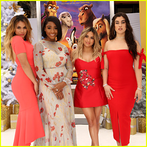 Christmas Harmony Movie.Fifth Harmony Get Into The Christmas Spirit At The Star