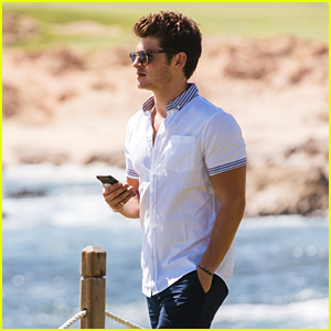 Gregg Sulkin Looks Hot While on Vacation in Mexico!