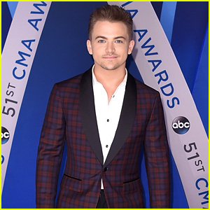 Hunter Hayes Gets Ready for a Talkative CMA Awards!