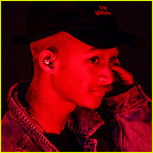 Jaden Smith Brings 'Watch Me' to the 'Late Late Show' Stage - Watch Now!