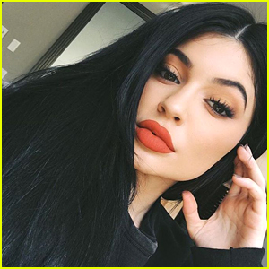 Kylie Jenner Teases Naughty & Nice Holiday Palettes & You Will Want Them Both!