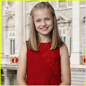 Spain's Princess Leonor Gets First Official Portrait For 12th Birthday