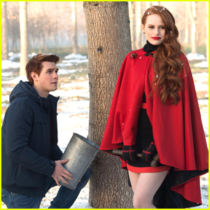 Madelaine Petsch & KJ Apa Ponder If Cheryl & Archie Are Actually Related on 'Riverdale'