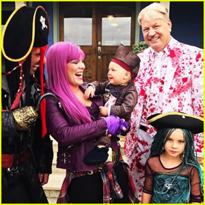 Dove Cameron Freaks Out After Pink Dresses Up Like Her For Halloween!