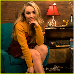 Sabrina Carpenter's Dad Gave Her a Shirt For Christmas That She Never Wears
