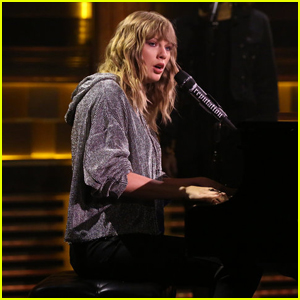 Taylor Swift Surprises Fans With 'New Year's Day' Performance - Watch Now!