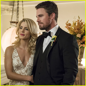 'Arrow' Star Gushes Over Emily Bett Rickards' Felicity Smoak in Midseason Finale