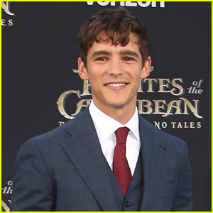 Brenton Thwaites Stars as Robin In 'Titans' First Look
