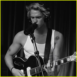 Cody Simpson & The Tide Release 'Waiting For The Tide' Acoustic Live Video - Watch!