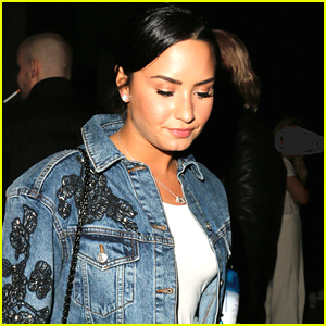 Demi Lovato Grabs Dinner with Friends in WeHo!