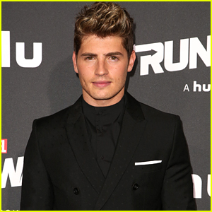 This Is The Moment When Gregg Sulkin Finally Felt Like A Superhero on 'Marvel's Runaways'