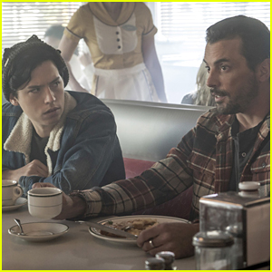 Riverdale's Skeet Ulrich Picked A Former Co-Star to Play Jughead's Mom & She's Perfect