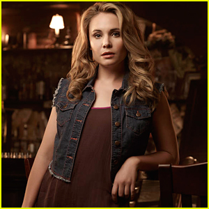 Fans Go Nuts Over Leah Pipes' Return as Cami For 'The Originals' Series Finale