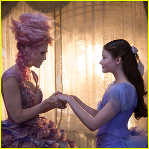Mackenzie Foy Stars in 'The Nutcracker & The Four Realms' Trailer - Watch!