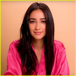 Shay Mitchell Shares Hair Tutorial Video – Get Her Curly and ...