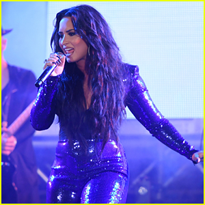 Demi Lovato Rocks Out in Miami on New Year's Eve!