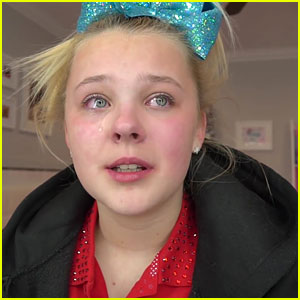 JoJo Siwa Gets Emotional Talking About Family In New Video