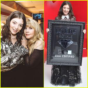 Lorde Meets Stevie Knicks, 'Royals' Goes Diamond!