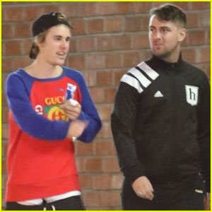 Justin Bieber Joins a Pal to Play Ping Pong!