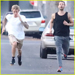 Justin Bieber Shows Off His Athletic Skills in the Street!