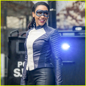 Candice Patton Thanks Grant Gustin For Helping Her Navigate Her Speed Suit on Tonight's 'The Flash'