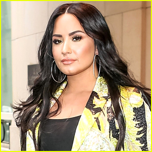 Demi Lovato Reveals Some of Her Old AOL Screen Names!