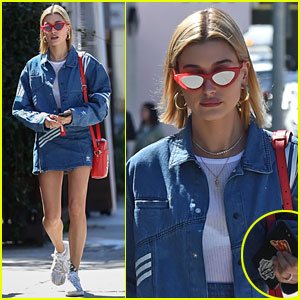 Hailey Baldwin Has a Delicious-Looking Phone Accessory!