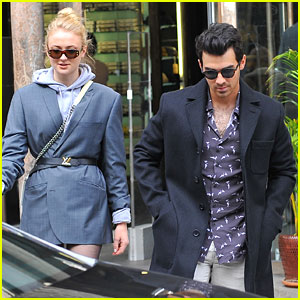 Joe Jonas & Sophie Turner Look Tres Chic While Shopping in Paris