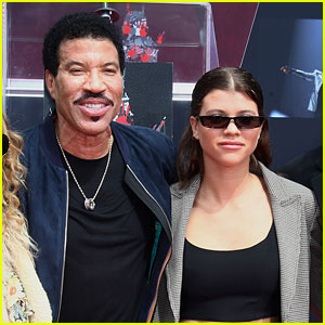 Sofia Richie Honors Dad Lionel at His Hand & Footprint Ceremony