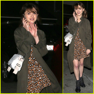 Natalia Dyer Looks Super Cute While Stepping Out for a Solo Dinner!