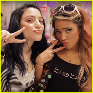 Niki & Gabi DeMartino Recreate Their Middle School Style - Watch Now!