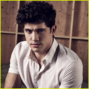 Carter Jenkins is Absolutely Rooting for Rainer & Paige on 'Famous in Love'