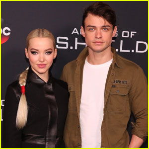 Dove Cameron's Boyfriend Thomas Doherty Is An Amazing Cook!