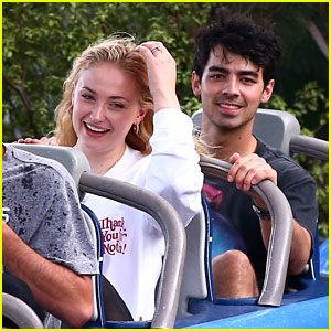Joe Jonas & Sophie Turner Get Soaked at Disneyland!