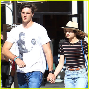 Joey King & Jacob Elordi Hold Hands While Shopping at The Grove