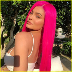 Kylie Jenner Shows Off Cotton Candy Coachella Look!