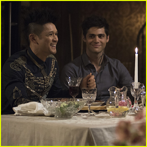 Matthew Daddario Opens Up About The Feeling He Gets When Fans Go Nuts Over Malec