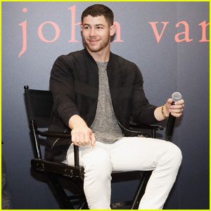 Nick Jonas Reveals He Almost Went to College in Chicago!