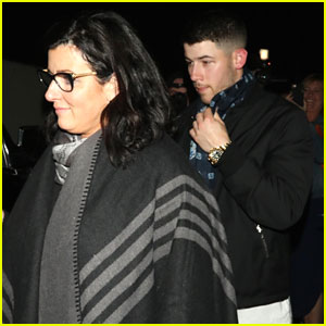 Nick Jonas Grabs Pre-Easter Dinner with His Mom in Los Angeles