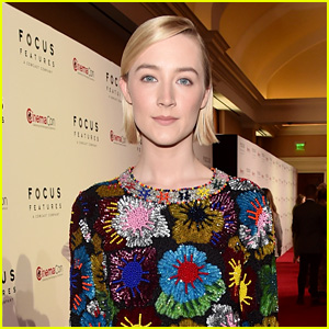 Saoirse Ronan Promotes Her Upcoming Movie 'Mary Queen of Scots' at CinemaCon 2018!